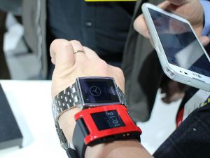 Pebble Smartwatch smartphone 300x225 - 3 Best Kickstarter Products You can Buy